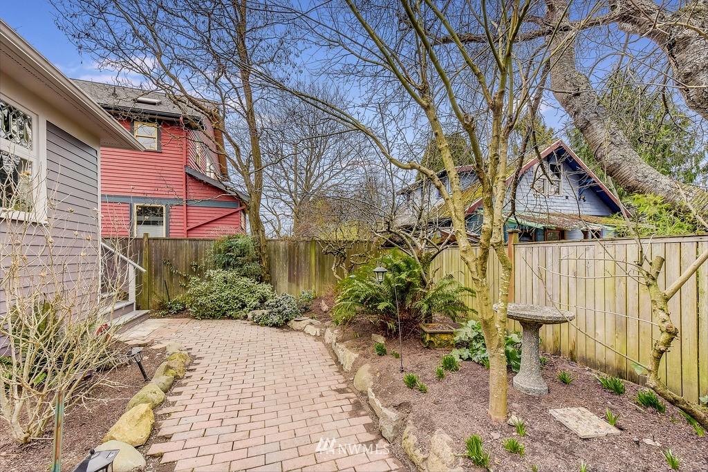 Sold Property | 7712 Dayton Avenue N Seattle, WA 98103 18