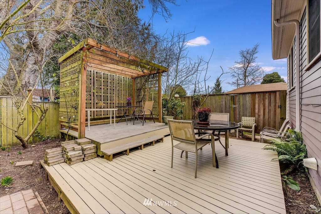 Sold Property | 7712 Dayton Avenue N Seattle, WA 98103 19