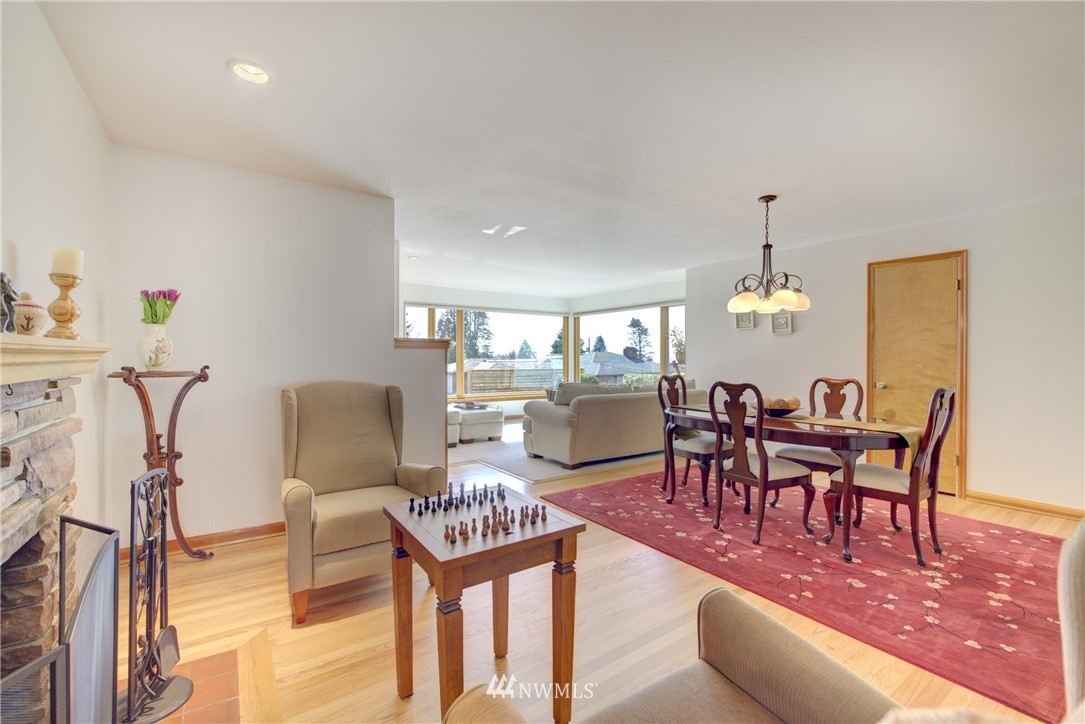 Sold Property   612 NW 125th Street Seattle, WA 98177 4