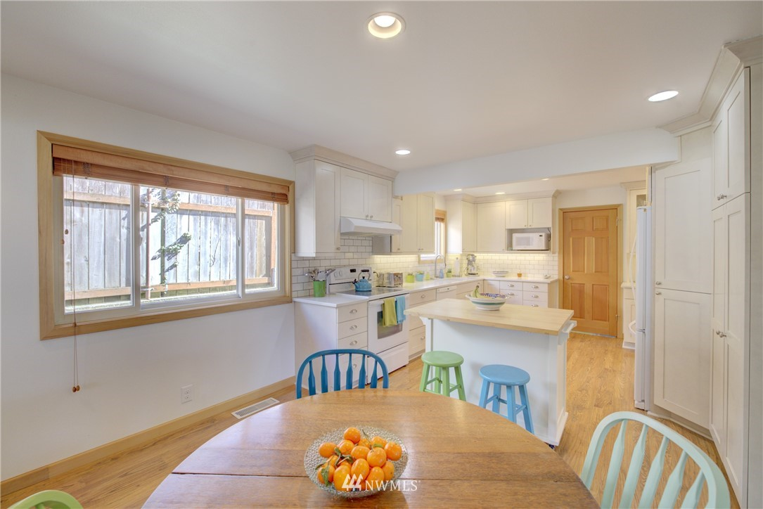 Sold Property   612 NW 125th Street Seattle, WA 98177 9