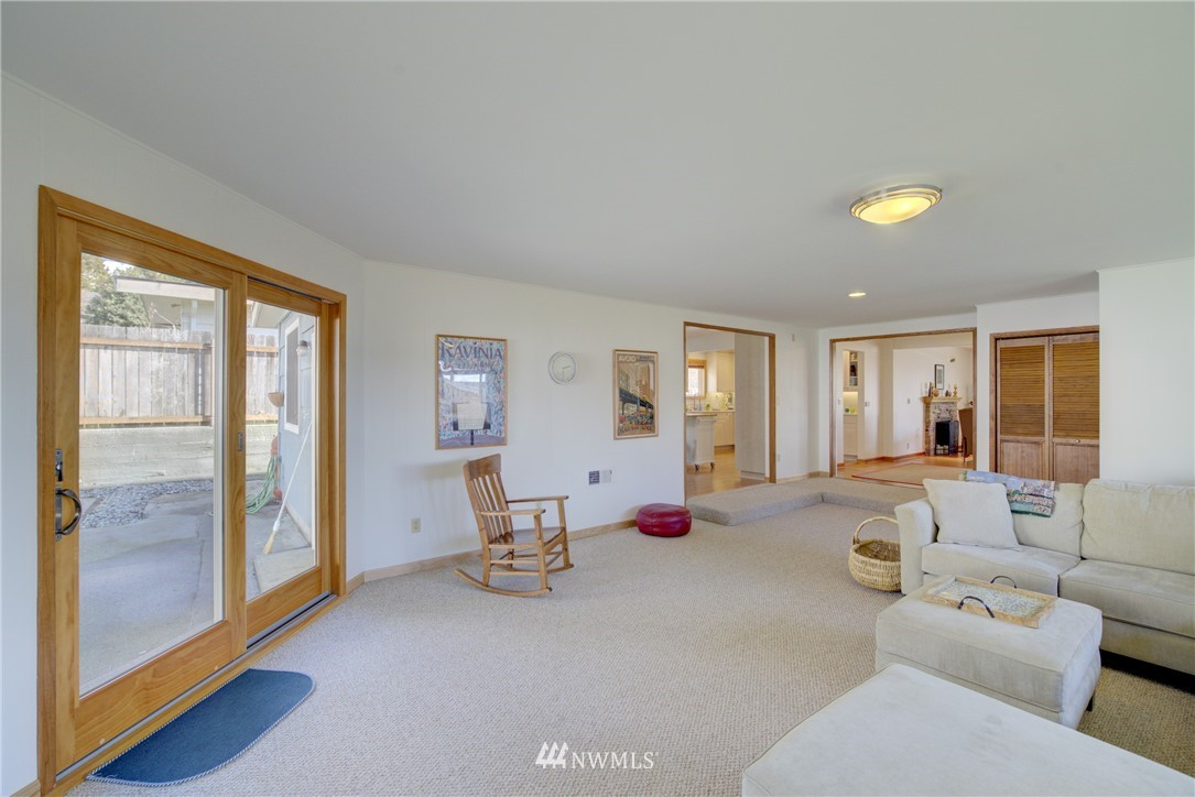 Sold Property   612 NW 125th Street Seattle, WA 98177 12