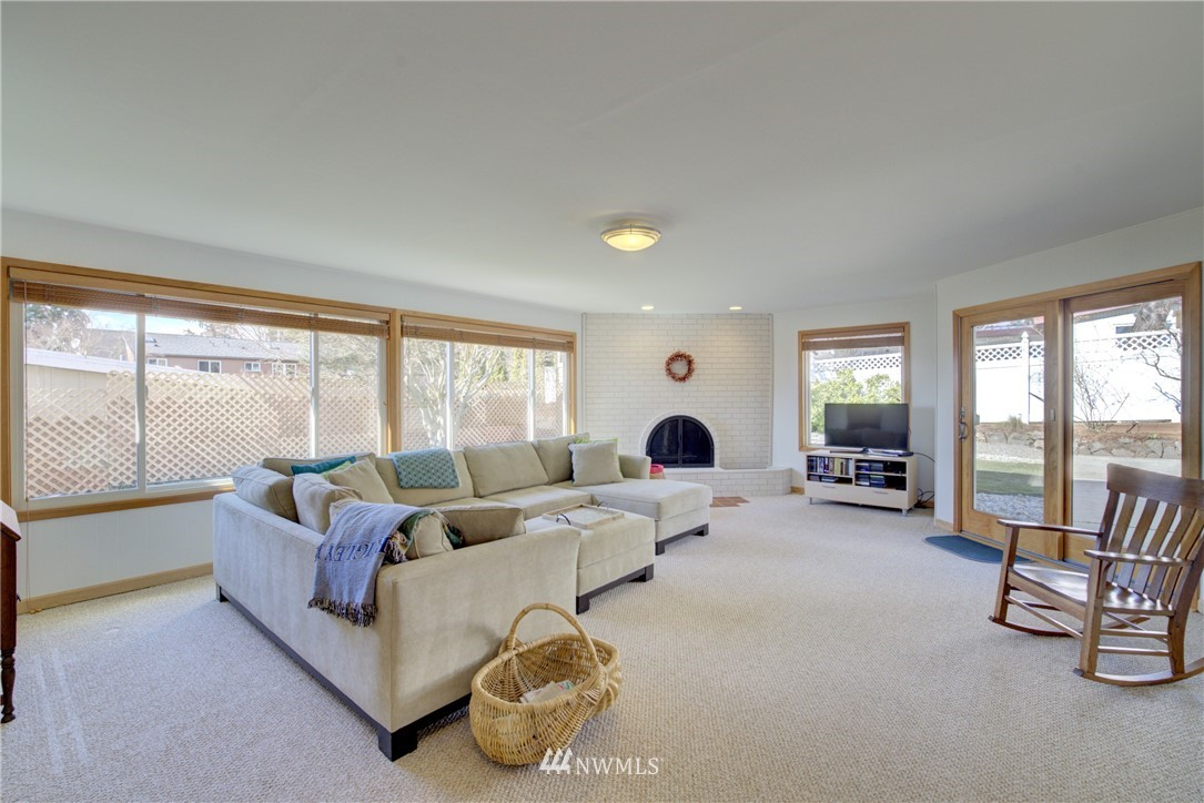 Sold Property   612 NW 125th Street Seattle, WA 98177 11