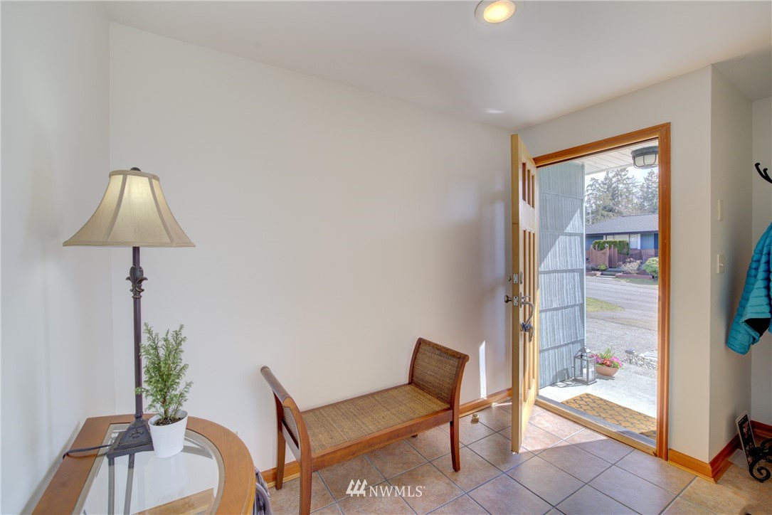 Sold Property   612 NW 125th Street Seattle, WA 98177 23