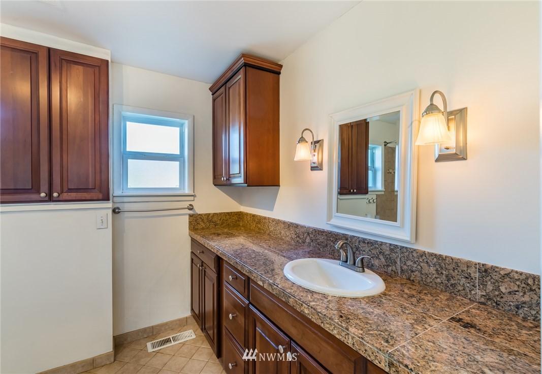 Sold Property   8627 Wabash Avenue S Seattle, WA 98118 6