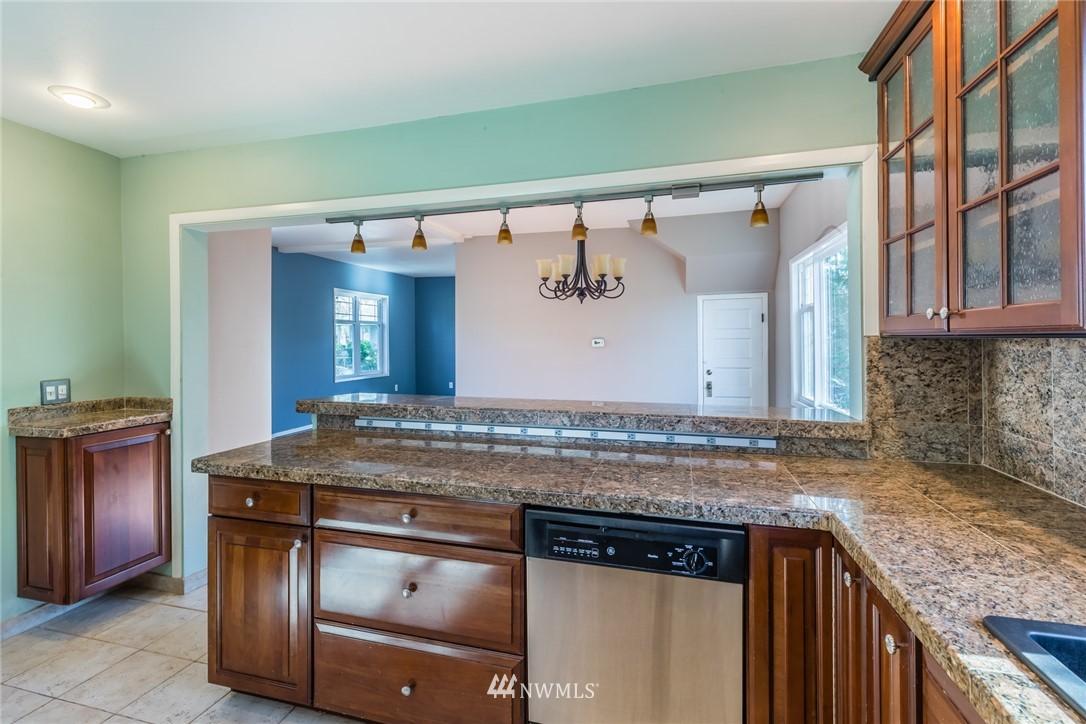 Sold Property   8627 Wabash Avenue S Seattle, WA 98118 5