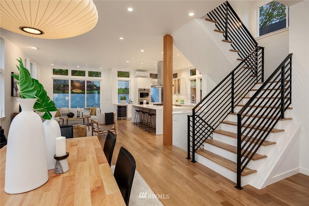 Sold Property | 410 N Bowdoin Place Seattle, WA 98103 4