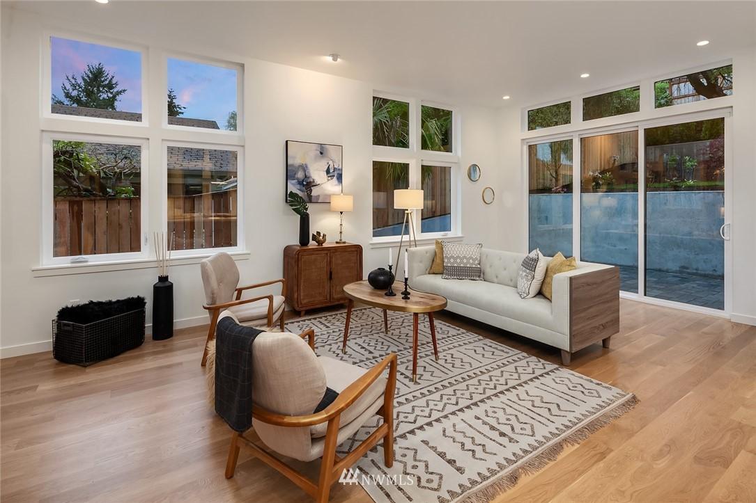 Sold Property | 410 N Bowdoin Place Seattle, WA 98103 5