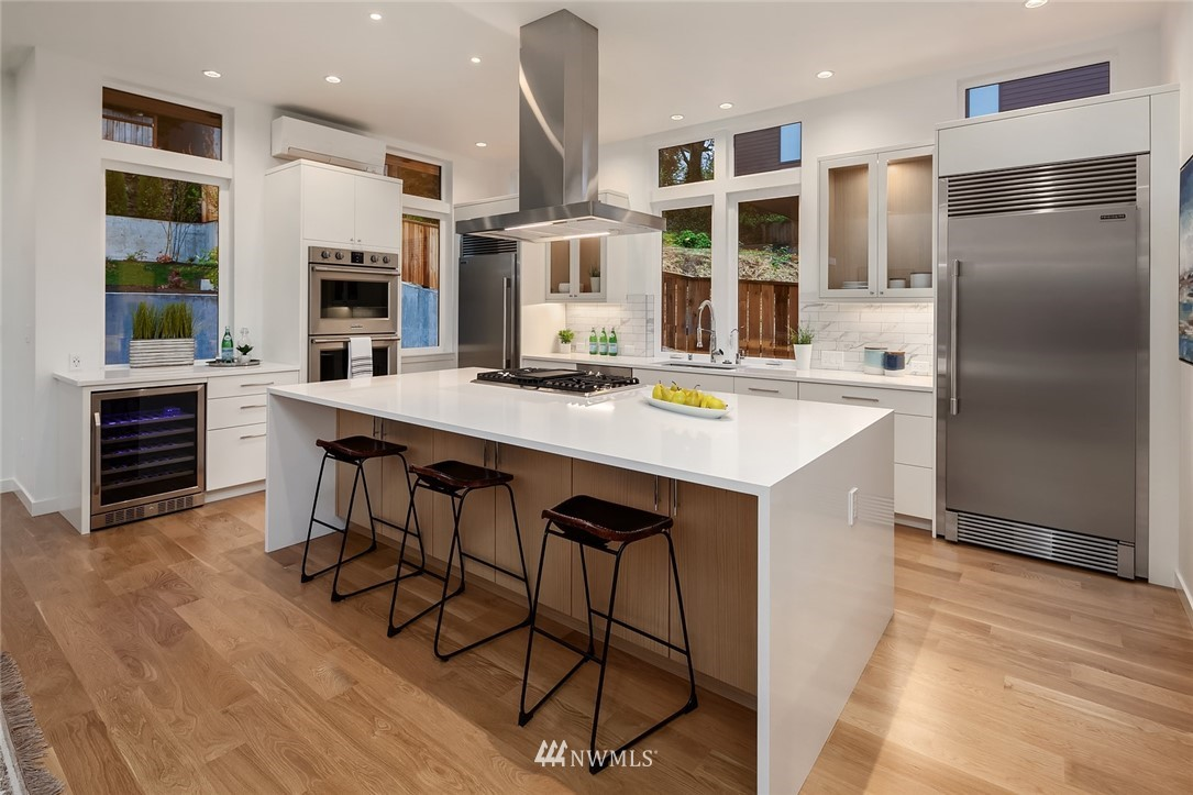 Sold Property | 410 N Bowdoin Place Seattle, WA 98103 6