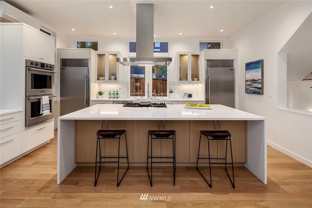 Sold Property | 410 N Bowdoin Place Seattle, WA 98103 7