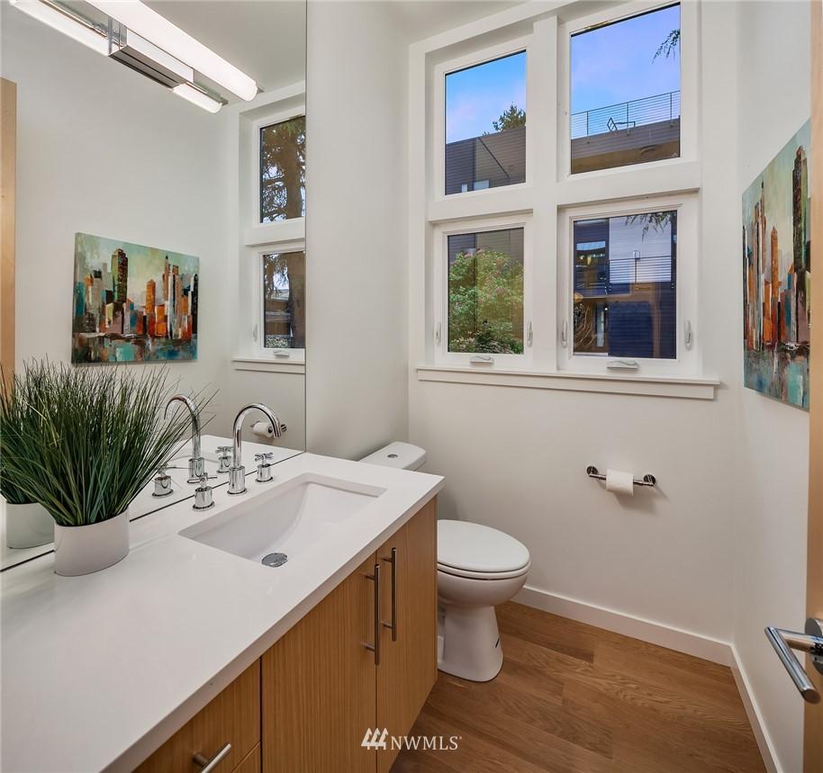 Sold Property | 410 N Bowdoin Place Seattle, WA 98103 10