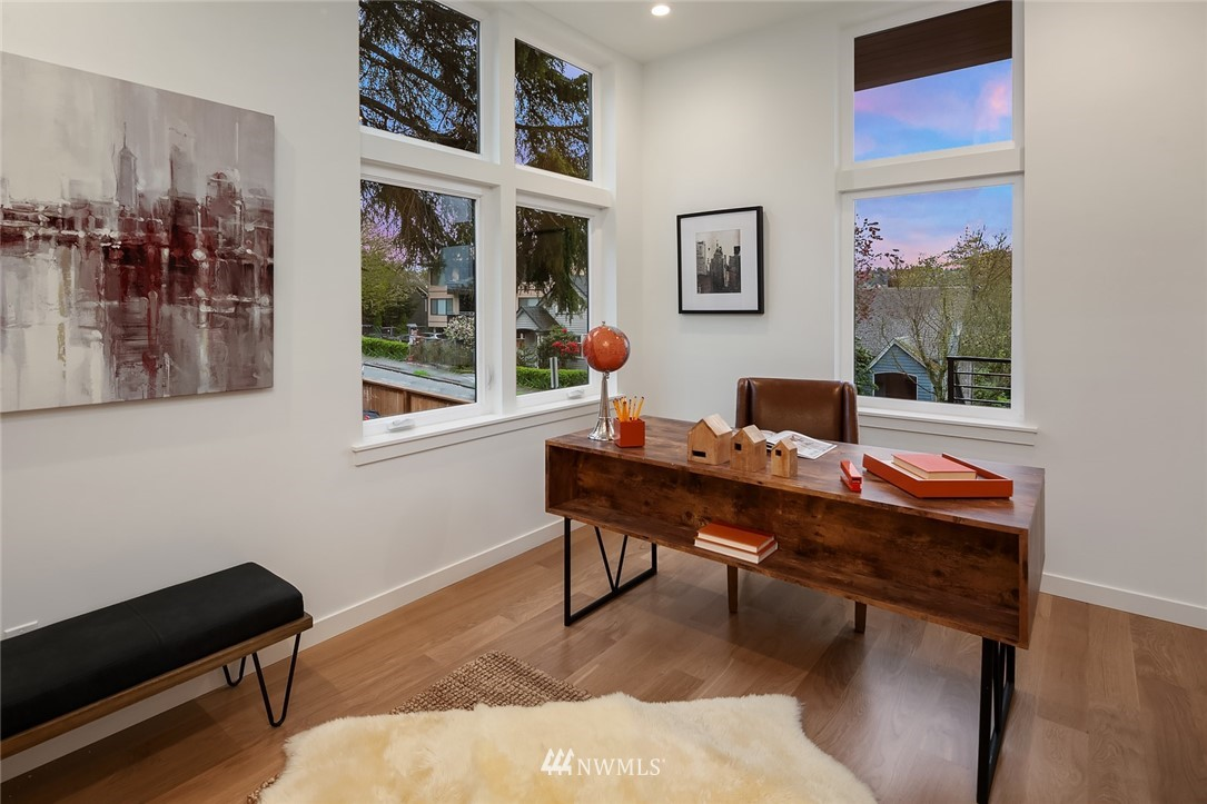 Sold Property | 410 N Bowdoin Place Seattle, WA 98103 11