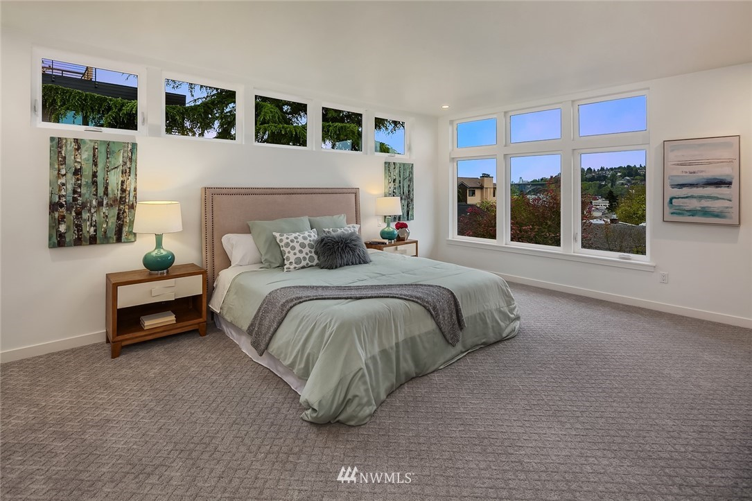 Sold Property | 410 N Bowdoin Place Seattle, WA 98103 12