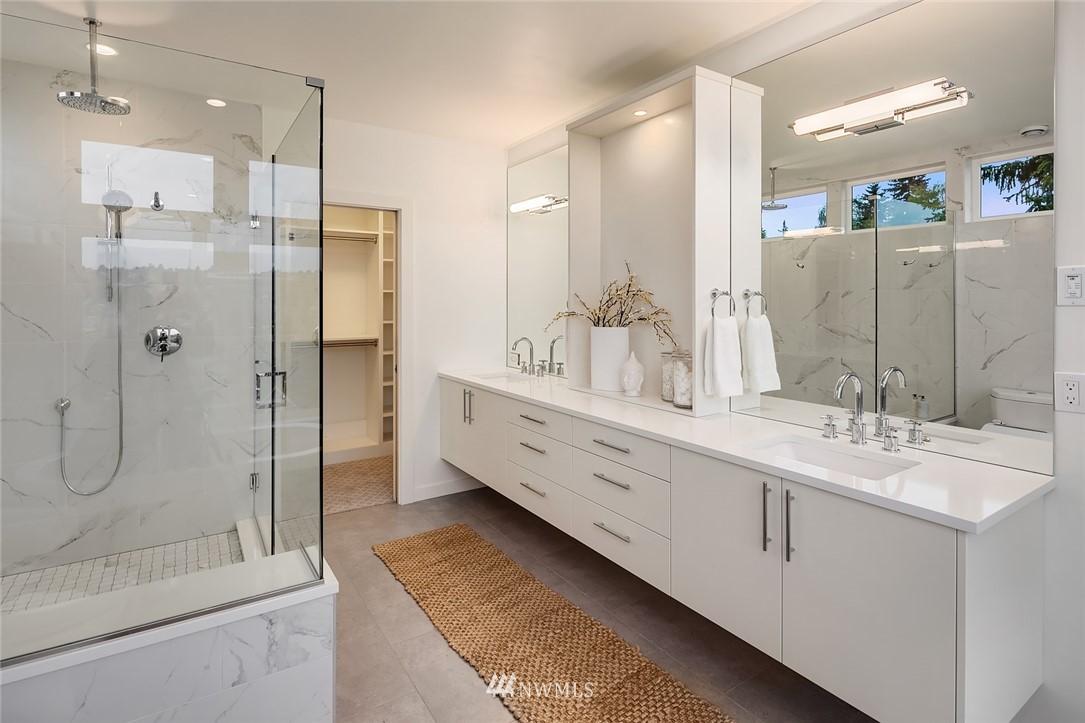 Sold Property | 410 N Bowdoin Place Seattle, WA 98103 14