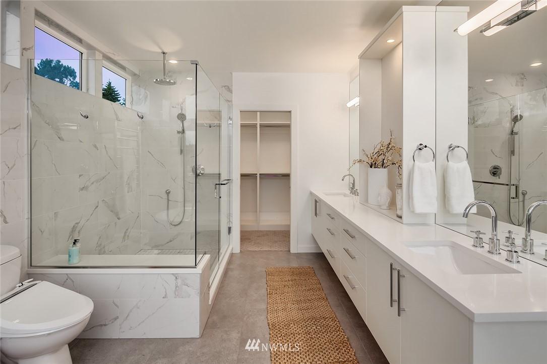 Sold Property | 410 N Bowdoin Place Seattle, WA 98103 15