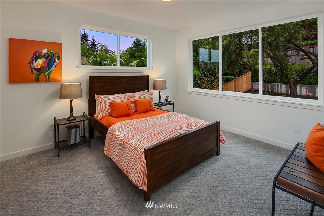 Sold Property | 410 N Bowdoin Place Seattle, WA 98103 17