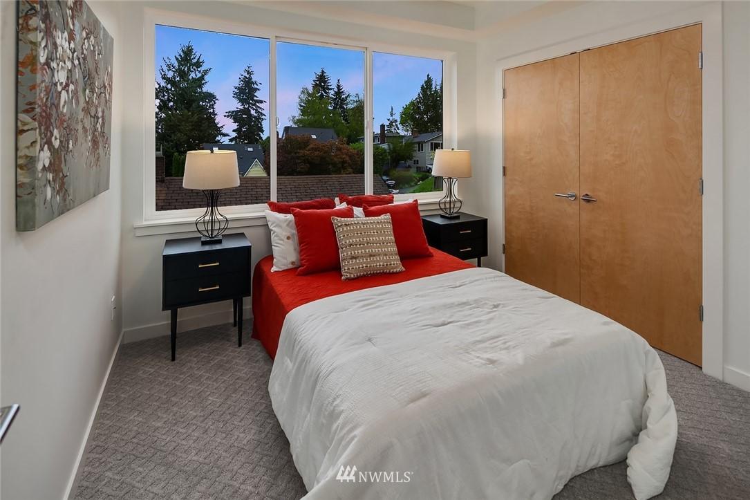 Sold Property | 410 N Bowdoin Place Seattle, WA 98103 18