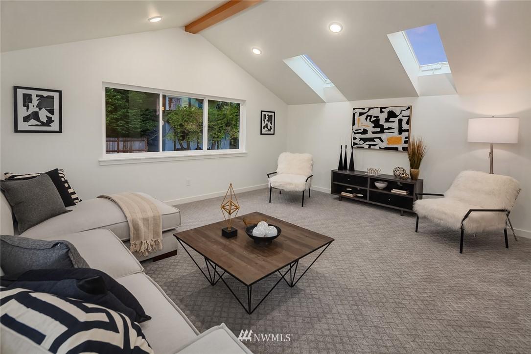 Sold Property | 410 N Bowdoin Place Seattle, WA 98103 20