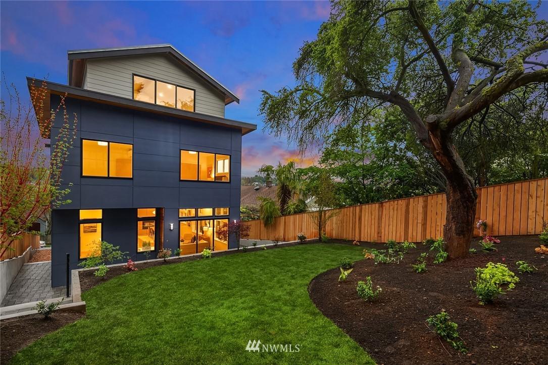 Sold Property | 410 N Bowdoin Place Seattle, WA 98103 23
