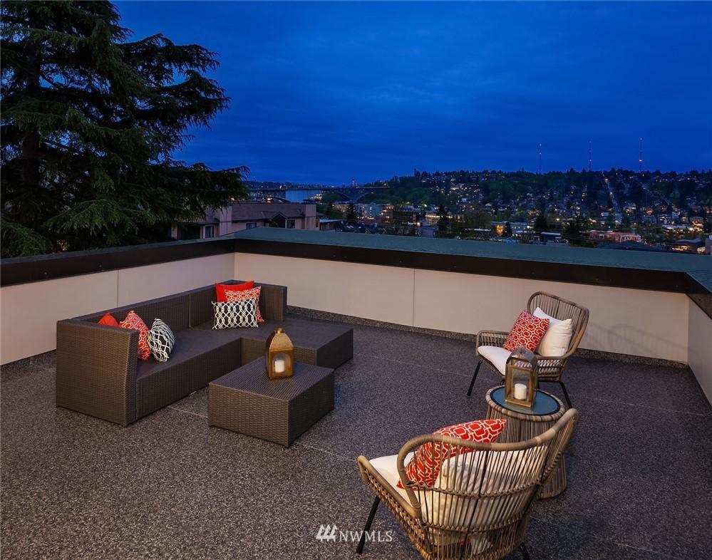 Sold Property | 410 N Bowdoin Place Seattle, WA 98103 24