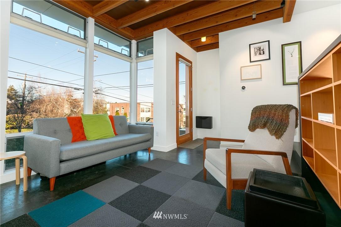 Sold Property | 2427 E Denny Way Seattle, WA 98122 3