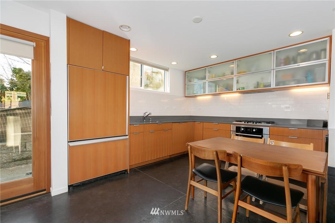 Sold Property | 2427 E Denny Way Seattle, WA 98122 5