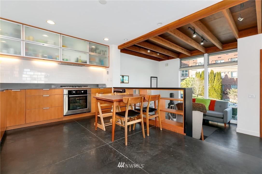 Sold Property | 2427 E Denny Way Seattle, WA 98122 6