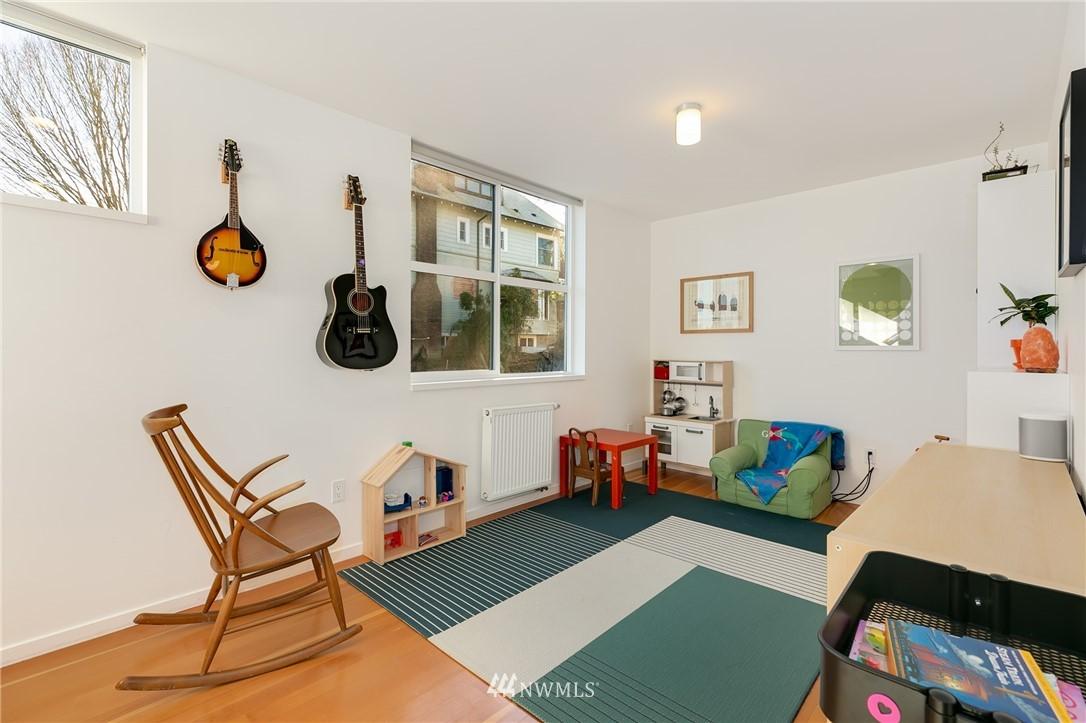Sold Property | 2427 E Denny Way Seattle, WA 98122 7