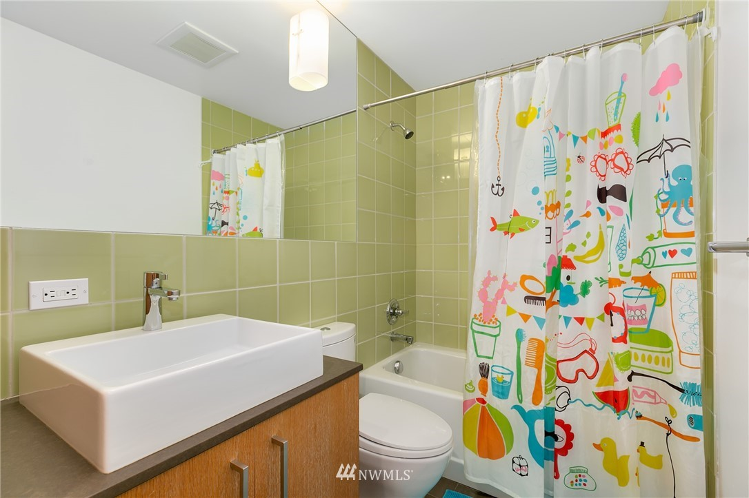 Sold Property | 2427 E Denny Way Seattle, WA 98122 11
