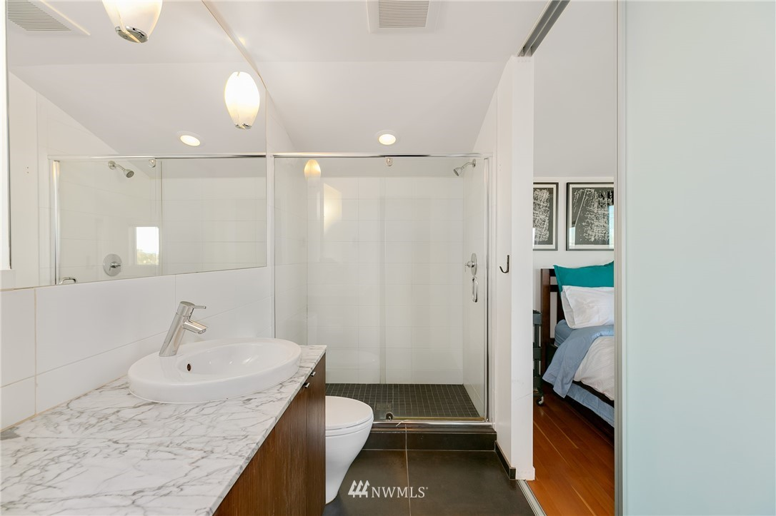 Sold Property | 2427 E Denny Way Seattle, WA 98122 15
