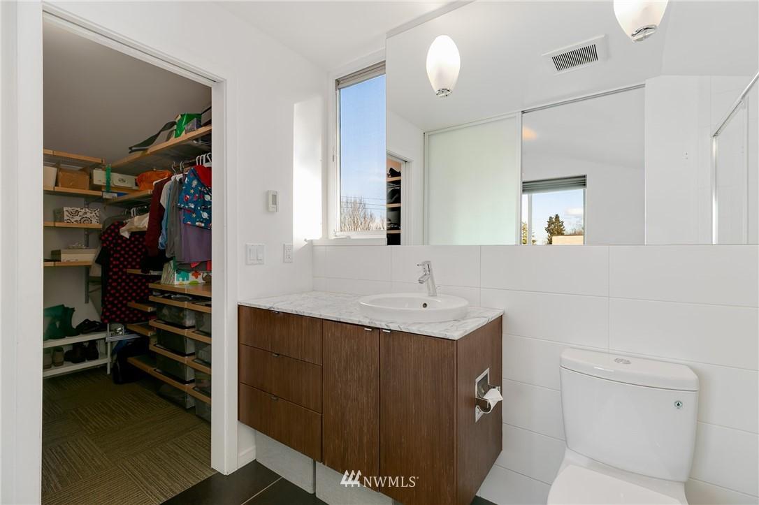 Sold Property | 2427 E Denny Way Seattle, WA 98122 16