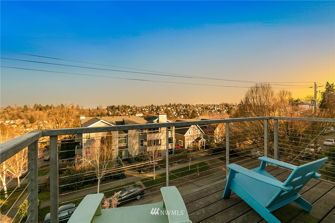 Sold Property | 2427 E Denny Way Seattle, WA 98122 17