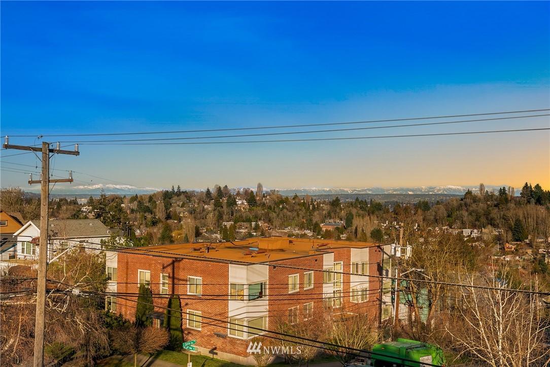 Sold Property | 2427 E Denny Way Seattle, WA 98122 19