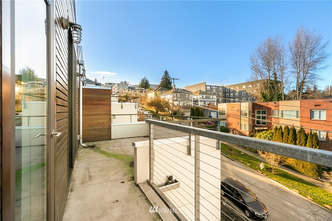 Sold Property | 2427 E Denny Way Seattle, WA 98122 24