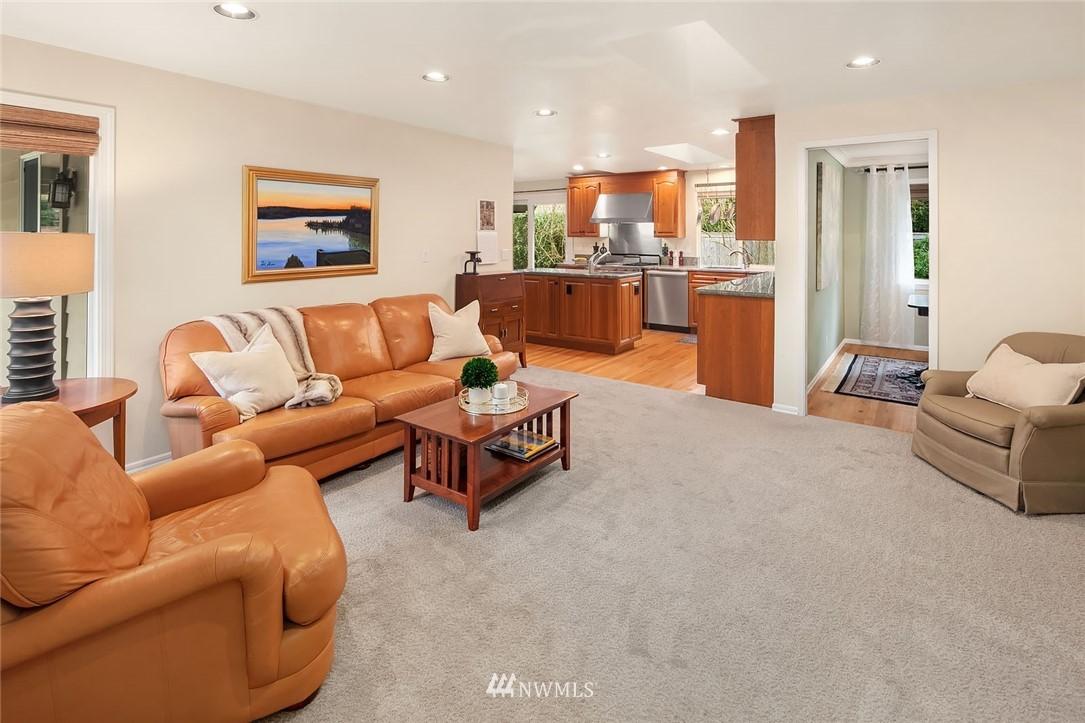 Sold Property | 8711 NE 11th Street Medina, WA 98039 2
