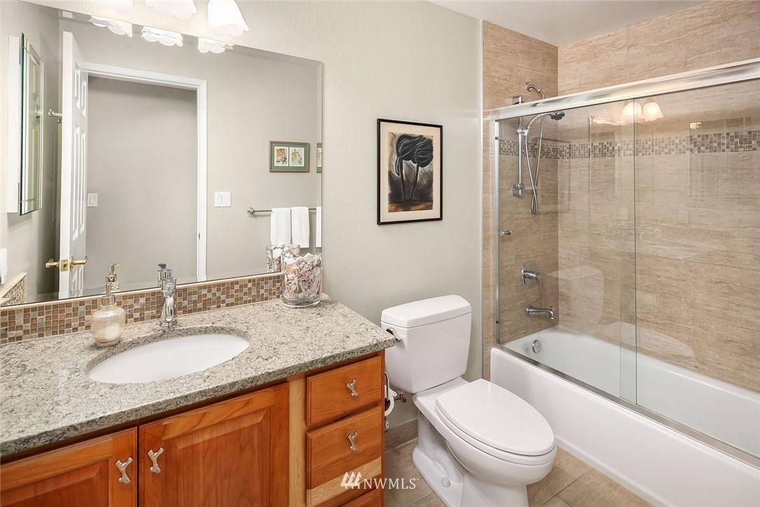 Sold Property | 8711 NE 11th Street Medina, WA 98039 12