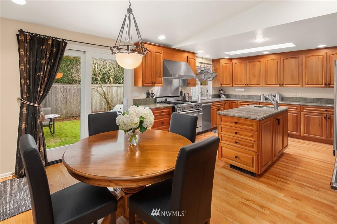 Sold Property | 8711 NE 11th Street Medina, WA 98039 4