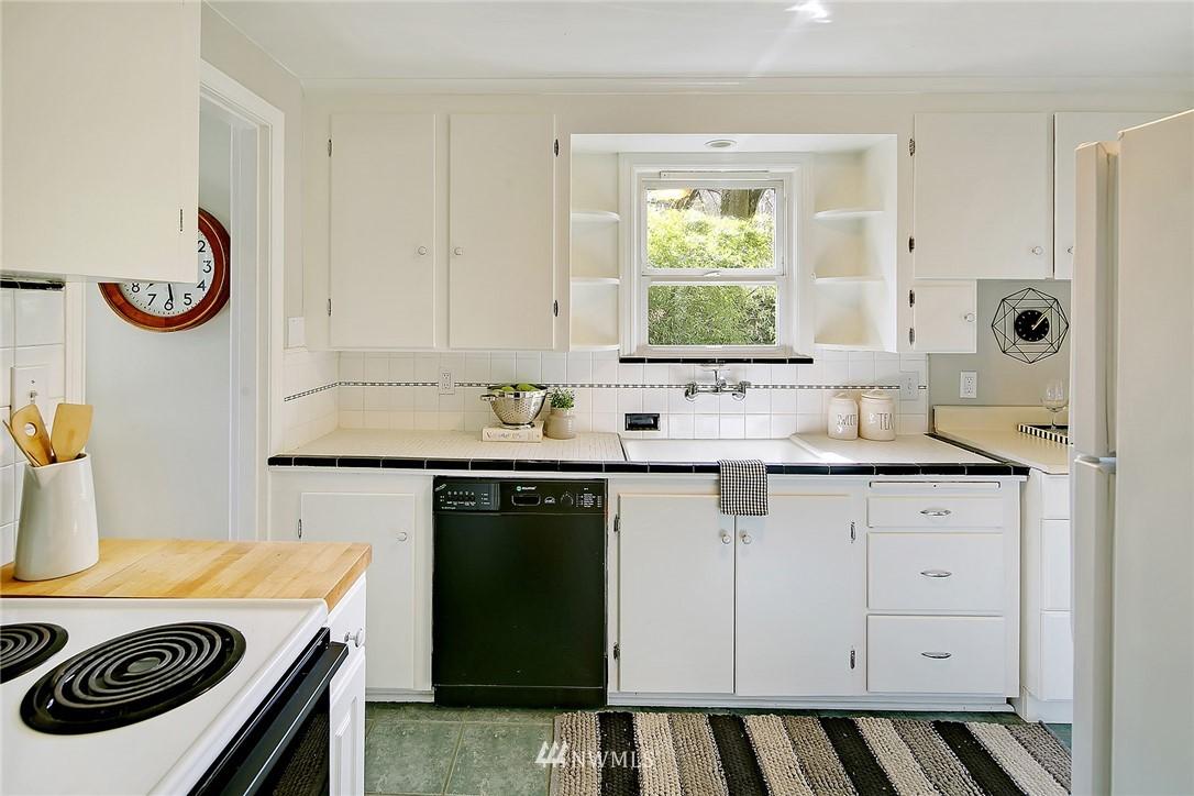 Sold Property   12505 22nd Avenue NE Seattle, WA 98125 4