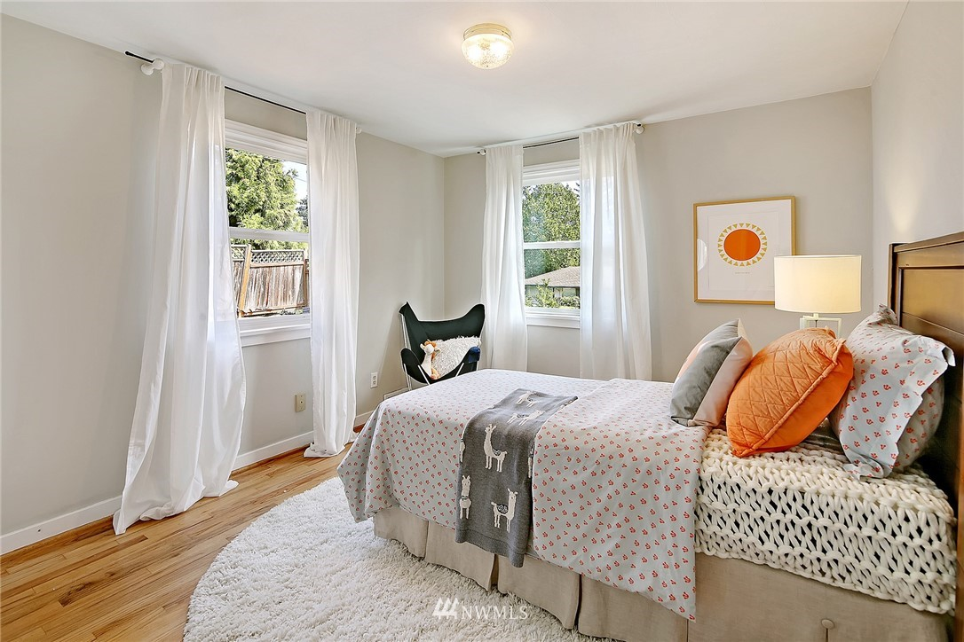 Sold Property   12505 22nd Avenue NE Seattle, WA 98125 7