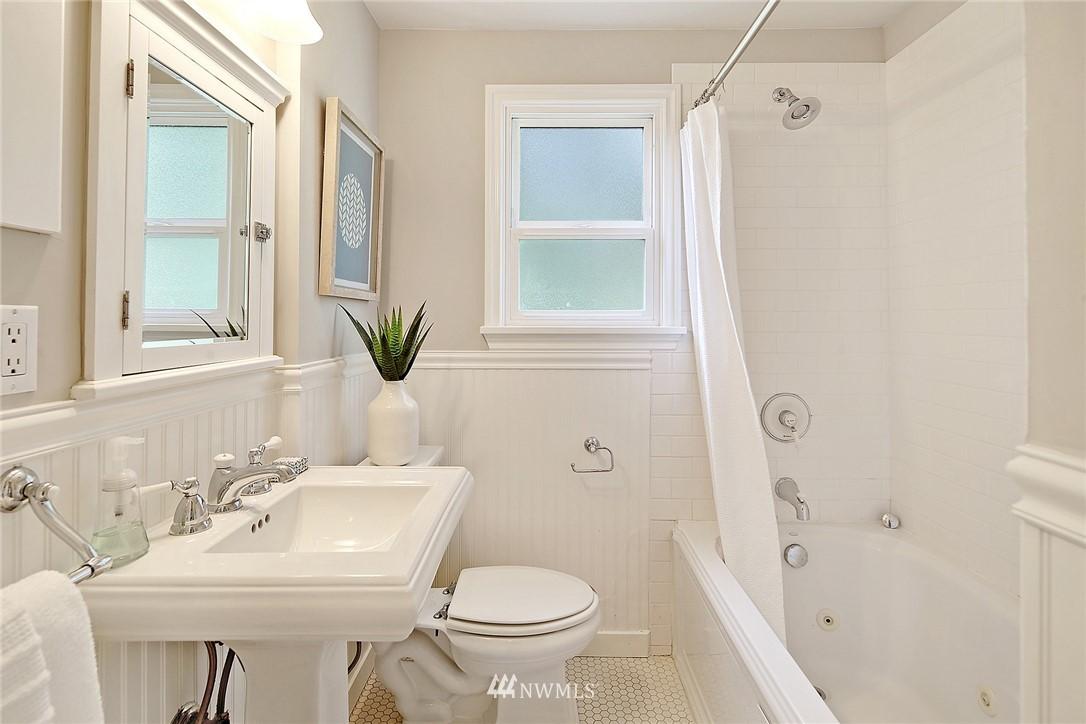 Sold Property   12505 22nd Avenue NE Seattle, WA 98125 8
