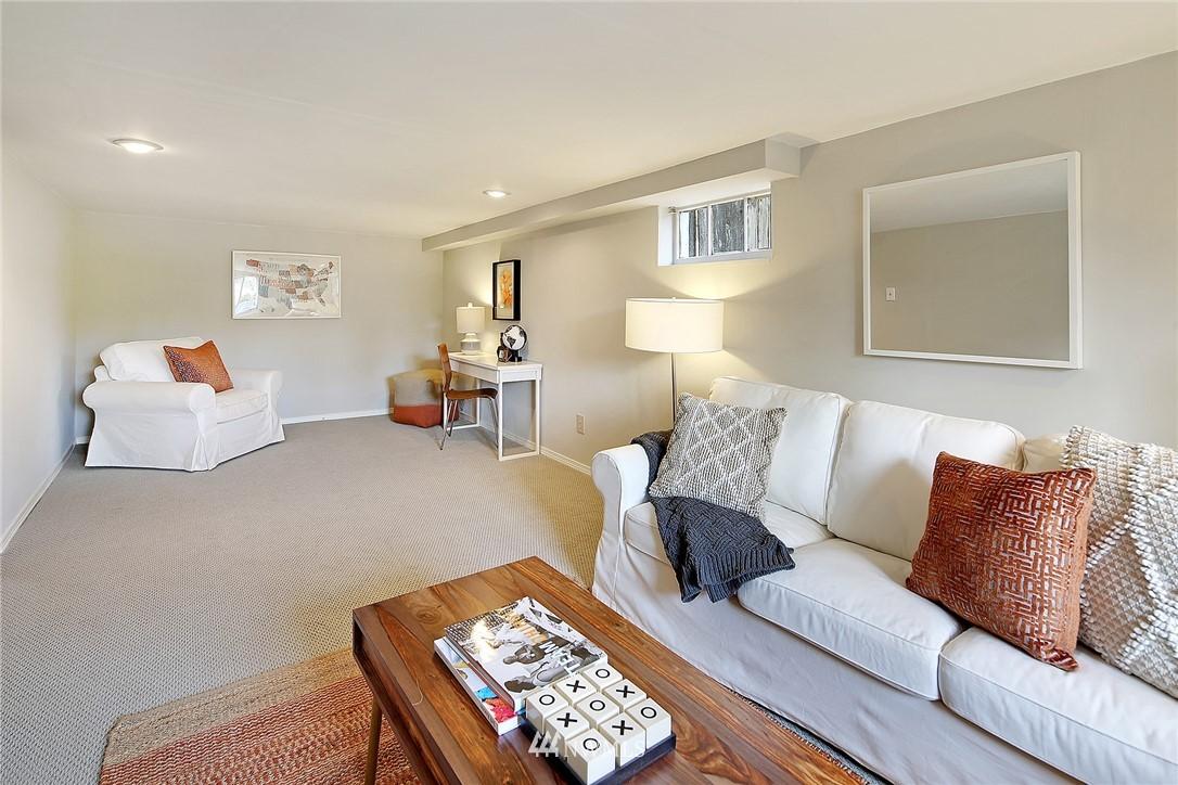 Sold Property   12505 22nd Avenue NE Seattle, WA 98125 11