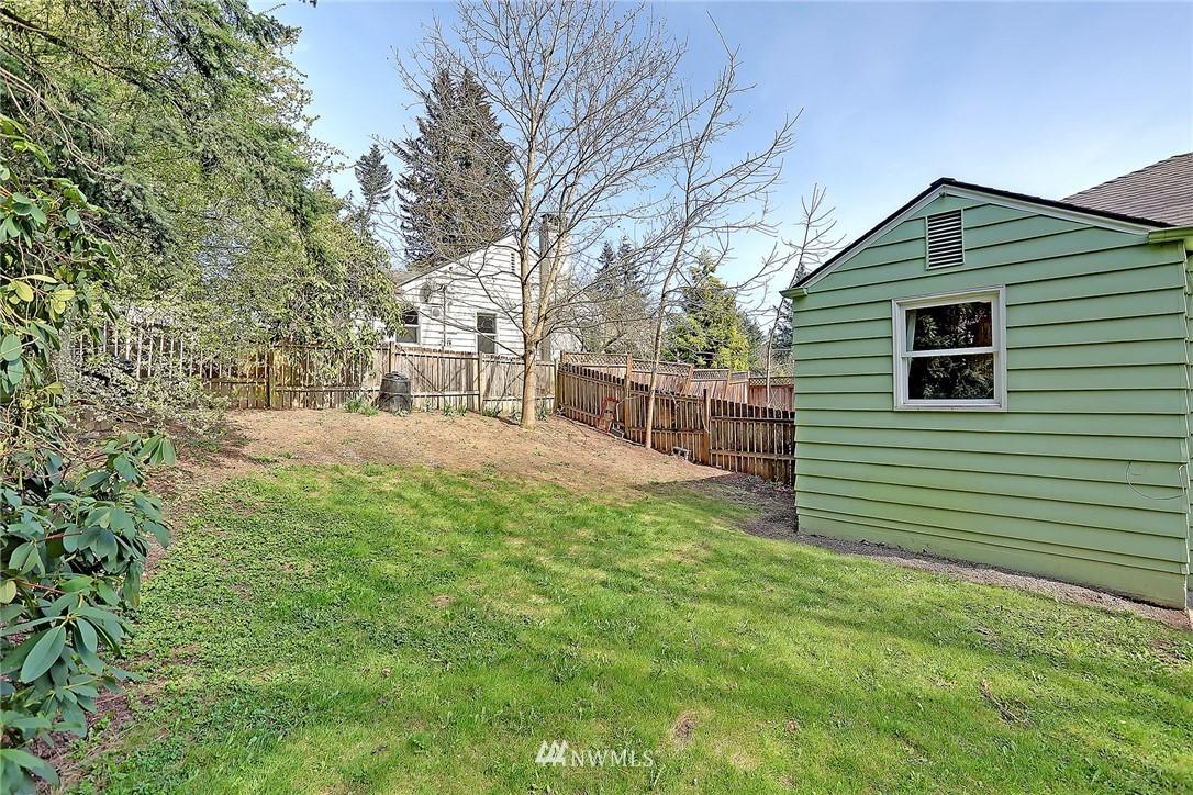 Sold Property   12505 22nd Avenue NE Seattle, WA 98125 15