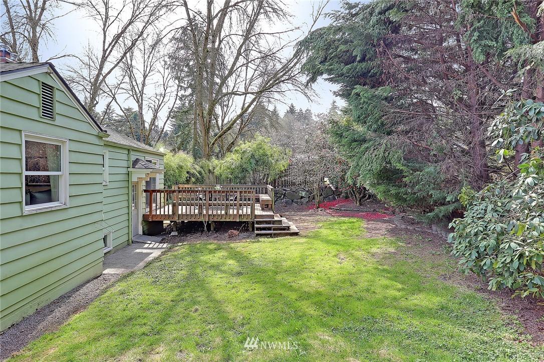 Sold Property   12505 22nd Avenue NE Seattle, WA 98125 16