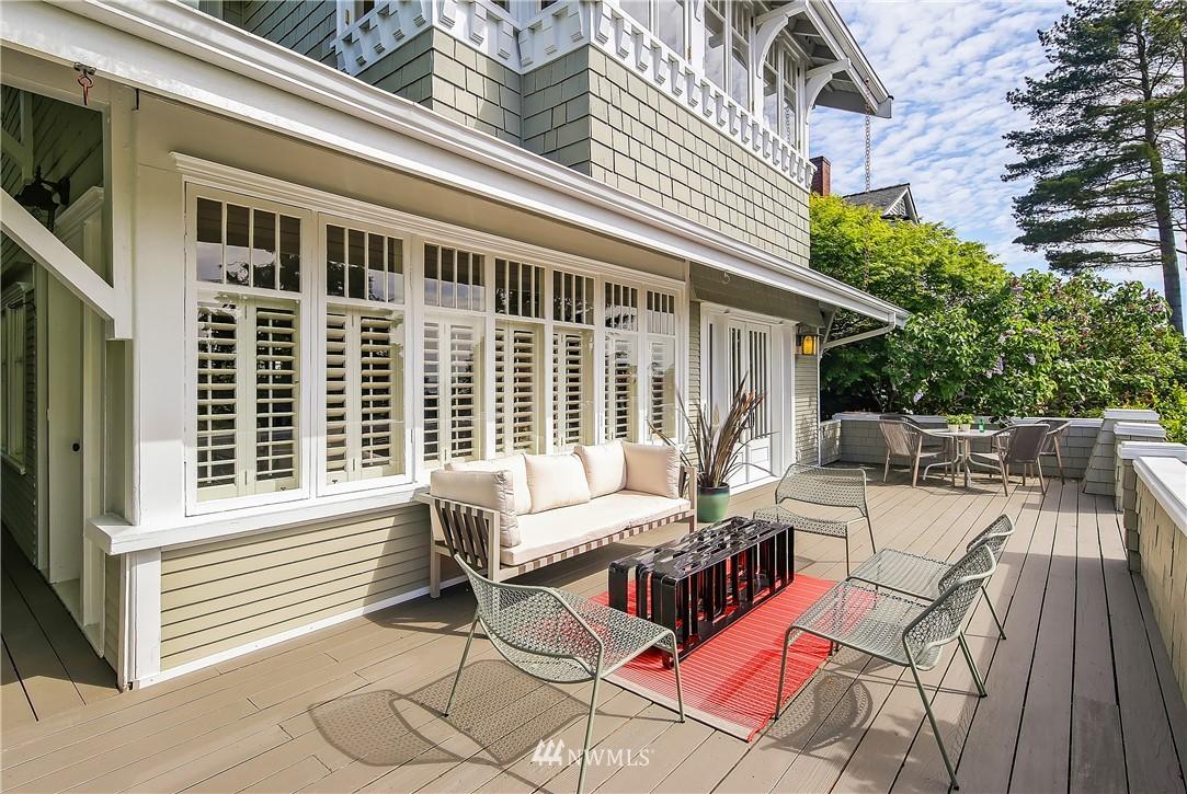 Sold Property | 4412 45th Avenue SW Seattle, WA 98116 2