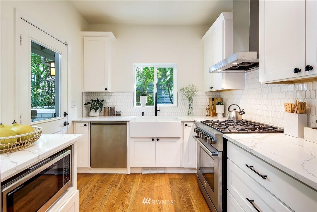 Sold Property | 4412 45th Avenue SW Seattle, WA 98116 8