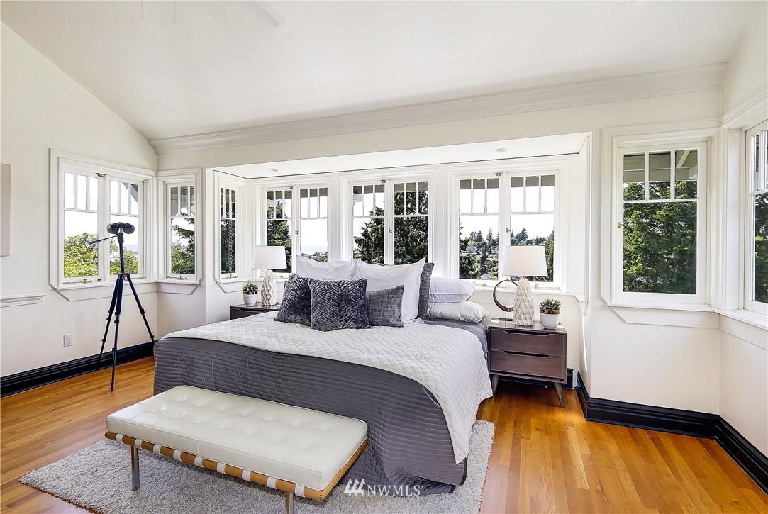 Sold Property | 4412 45th Avenue SW Seattle, WA 98116 11