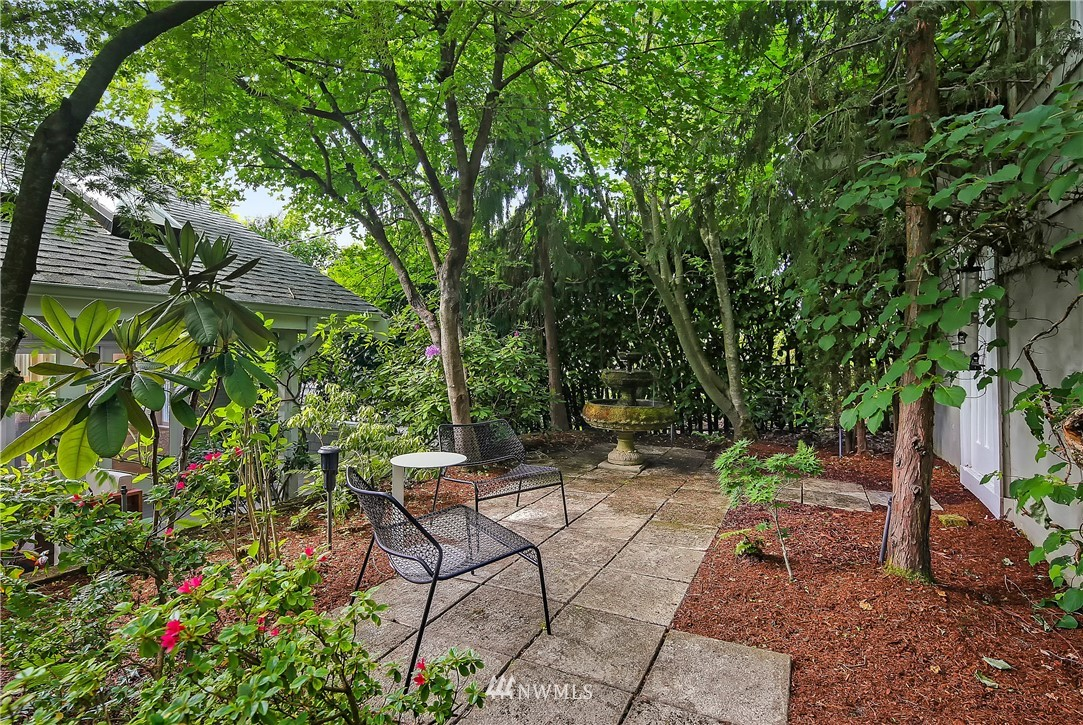 Sold Property | 4412 45th Avenue SW Seattle, WA 98116 17
