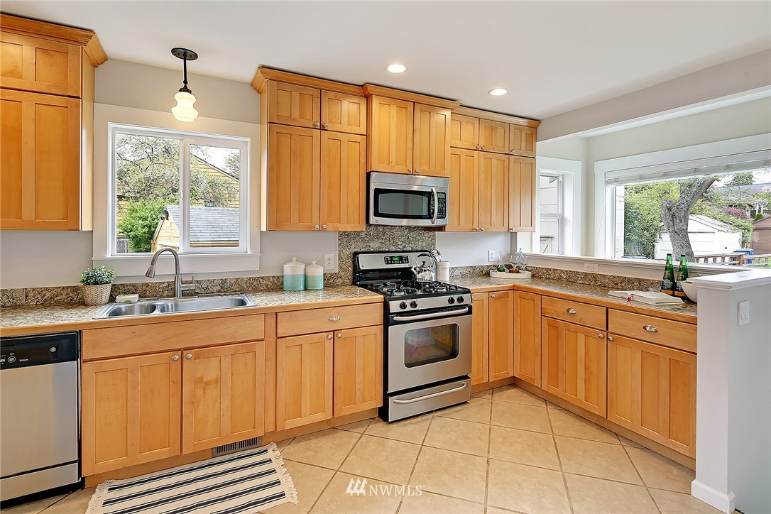 Sold Property | 856 NW 75th Street Seattle, WA 98117 4