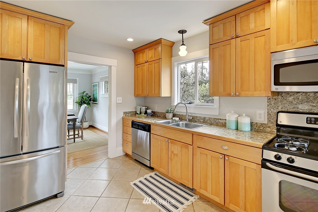 Sold Property | 856 NW 75th Street Seattle, WA 98117 5