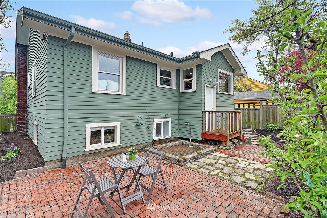 Sold Property | 856 NW 75th Street Seattle, WA 98117 12