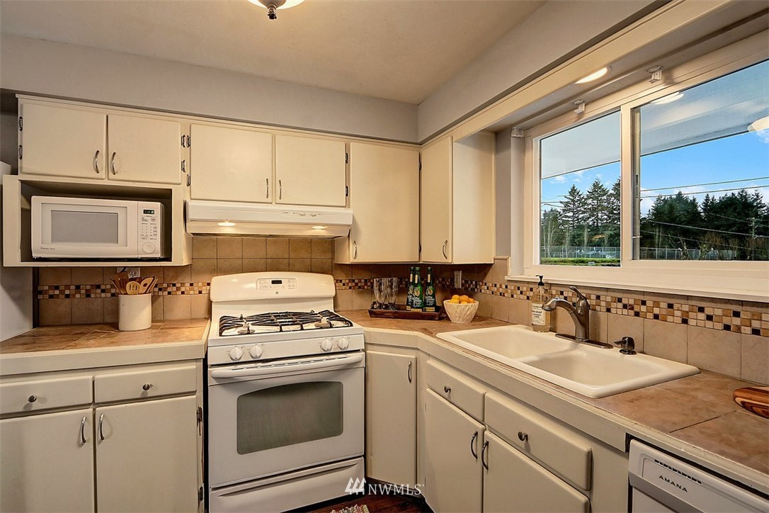 Sold Property | 3751 Curtis Place W University Place, WA 98466 3